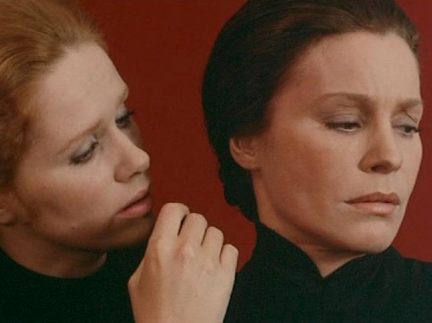 Liv Ullmann & Ingrid Thulin, Cries and Whispers (1972)