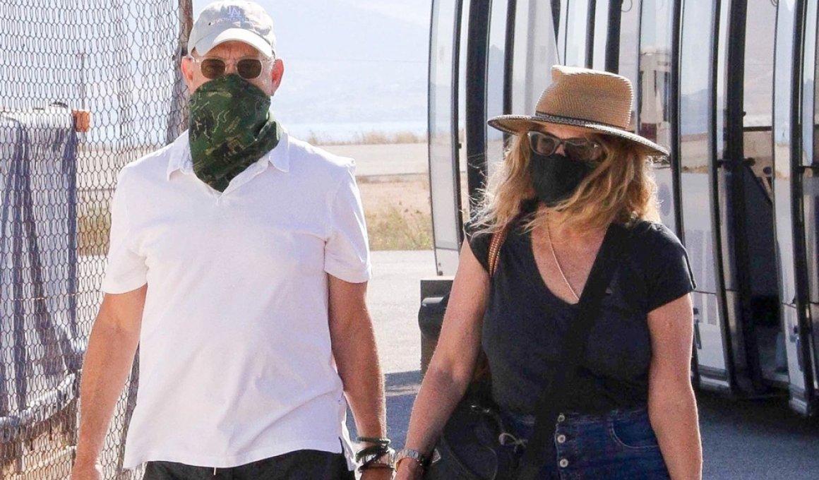 Με μάσκες στην Ελλάδα, Τομ Χανκς και Ρίτα Γουίλσον
