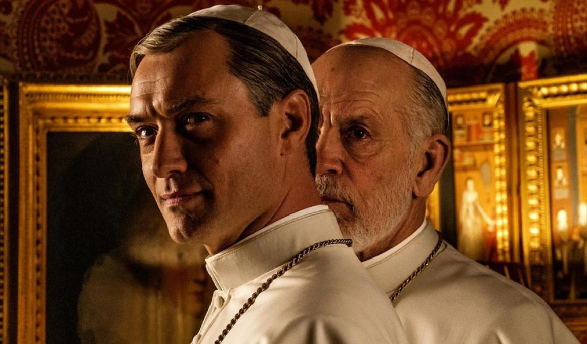 Τζουντ Λο και Τζον Μάλκοβιτς στο «The New Pope» του Πάολο Σορεντίνο