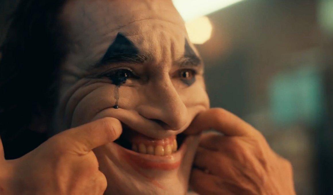 Εισβολή αστυνομικών σε αίθουσες, για ανήλικους που έβλεπαν τον Joker