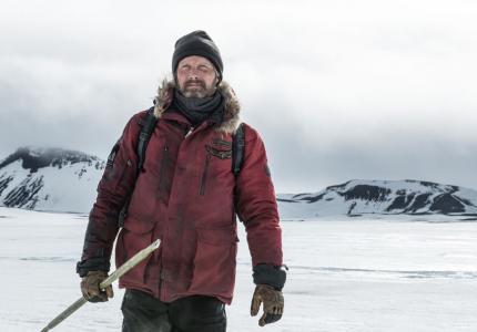 """Arctic"": Ο Μαντς Μίκελσεν και ο χειμώνας"