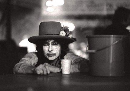 Rolling Thunder Revue: Α Bob Dylan story