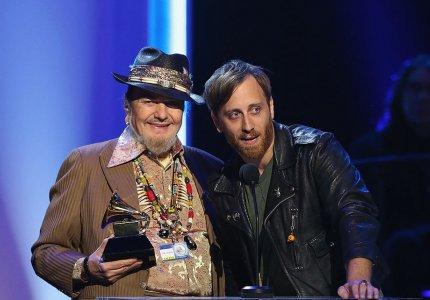 Ο Dan Auerbach των Black Keys θα σκηνοθετήσει το ντοκιμαντέρ του Dr. John