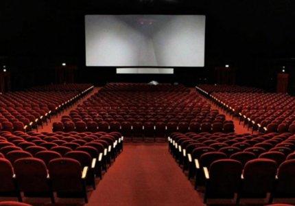 Με πιστοποιητικό εμβολιασμού/νόσησης και rapid τεστ στα χειμερινά σινεμά μέχρι Μάρτιο 2022