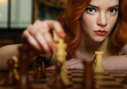 """Κορυφαία σκακίστρια μηνύει το Netflix για το """"The Queen's Gambit"""""""