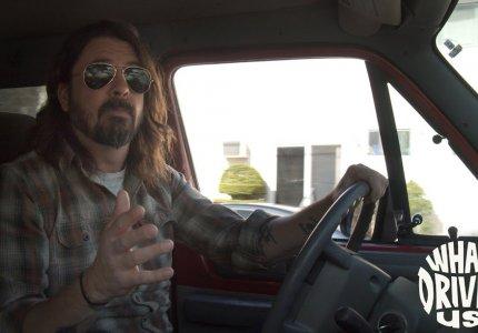 O Ντέιβ Γκρολ των Foo Fighters και των Nirvana σκηνοθετεί ξανά