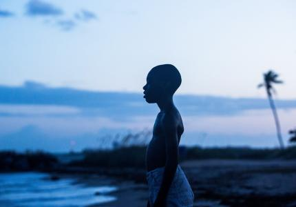 "O πιτσιρικάς του ""Moonlight"" προσφέρει την αμοιβή του στην έρευνα για τον καρκίνο"