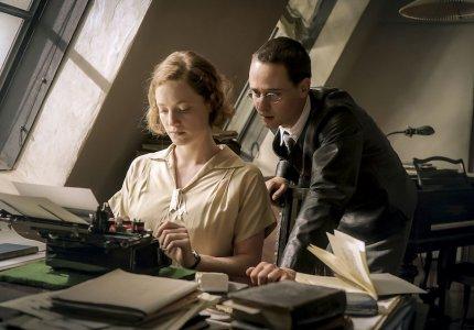 """Berlinale 19: """"Brecht"""" - Κριτική"""