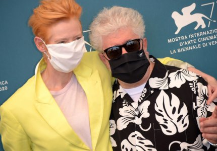 """Βενετία 2020 - Πέδρο Αλμοδοβάρ: """"Το σινεμά είναι κάθαρση"""""""