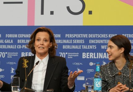 "Berlinale 2020 - Σιγκούρνι Γουίβερ: ""Κάνουμε αυτή τη δουλειά για τoυς φανς!"""