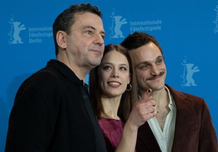 "Berlinale 2020 - Κρίστιαν Πέτσολντ: ""Αυτοσχεδιάσαμε σαν τζαμάρισμα τζαζ μπάντας"""