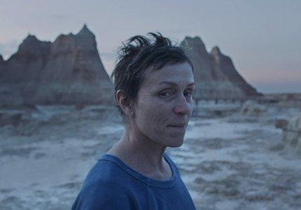 """Nomadland"": Αφοπλιστική Φράνσες ΜακΝτόρμαντ"