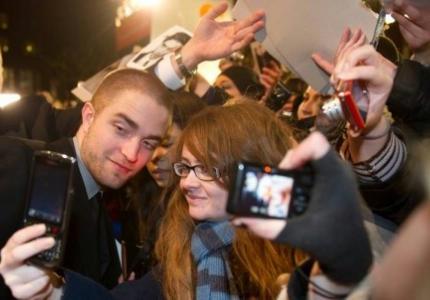 First we take Berlin: O «άσημος» Pattinson, o Corbijn, οι «παράνομες» και τα ντολμαδάκια του Kreutzberg