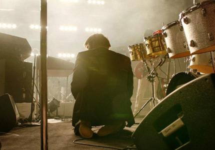 """Νύχτες Πρεμιέρας 12: """"Shut up and play the hits"""" - Review"""