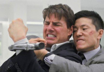 Επαγγελματίες stuntmen σχολιάζουν διάσημα κασκαντιλίκια